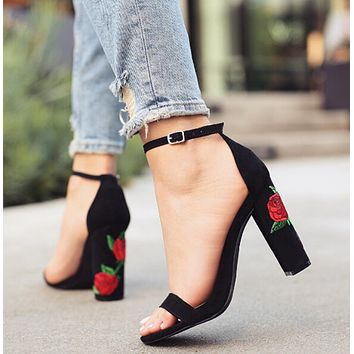 New strap buckle rose embroidered with high heels summer fashion sandals