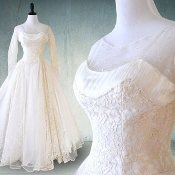 1950s Wedding Dress Tulle and Lace with Sleeves Stunning Gown