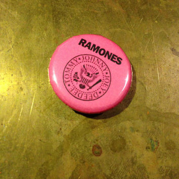 "THE RAMONES 1"" inch pin back button punk"