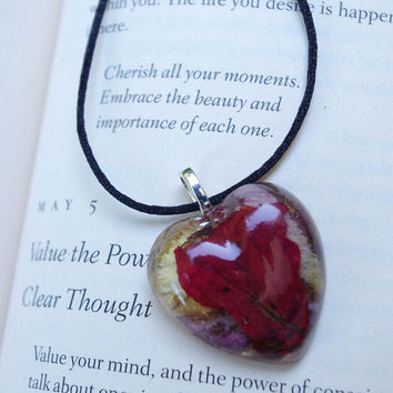 """Dried flower necklace - resin heart pendant - rose petals - romantic gift - dried flower jewelry - satin cord """" Heart Story"""""""