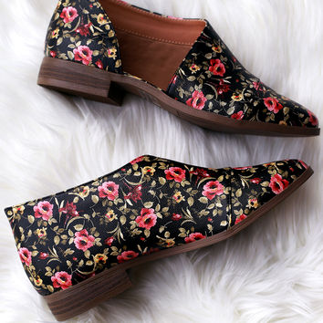 Qupid Floral Almond Toe Open Shank Oxford Flat | UrbanOG