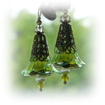 Green Flower earrings, Boho Statement Earrings, Green Flower dangles, Bohemian jewelry, Victorian Steampunk, Boho Wedding, Hippie, Gypsy