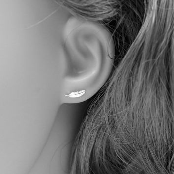 Free Shipping Fashion 925 Sterling Silver Stud Earrings Cute Feather Stud Earrings For Women Beautiful Jewelry