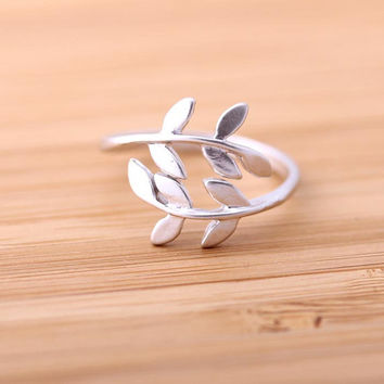 leaf ringsilver adjustable by bythecoco on Etsy