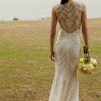 lace backed wedding dress<3