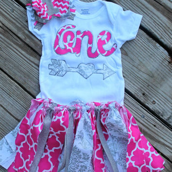 first birthday outfit girl, 1st birthday outfit, pink birthday outfit, Hot pink birthday outfit, pink and silver, cake smash outfit set