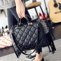Fashion Bag which makes you fashionable thing! Inside Here! [6582853703]