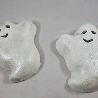 Boo Baby Large Boo-Berry Scented Ghost Bath Bomb!