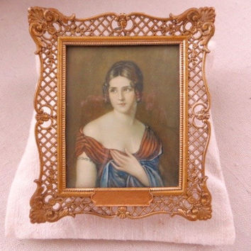 Vintage Filigree Frame Portrait Convex Glass