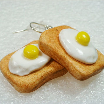 Fried eggs on toast Earrings Polymer clay by GiraffesKiss on Etsy
