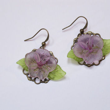 Lucite Flowers Earrings Lavender Pansy Vintage Style, Antique Filigree, Mothers Day, Easter Summer Beach Earrings Handmade