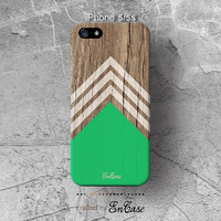 Green white chevron triangle Geometric on wood print, 3D-sublimated, Mobile accesories, Unique iPhone 4/4S case .iPhone 5/5S case.