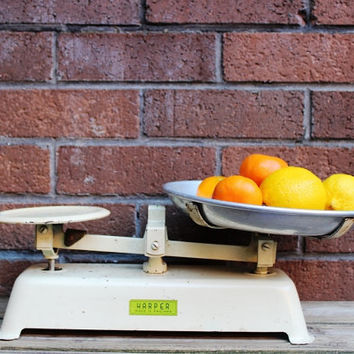 Antique Harper iron market scale , kitchen scale, grocery scale.