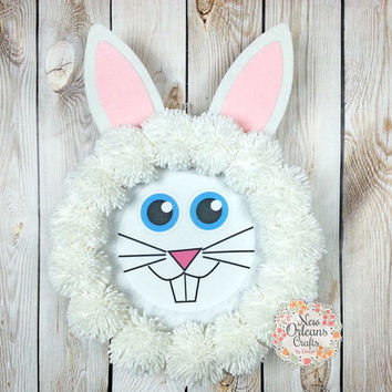 Easter Bunny White Yarn Wreath - Bunny Pom Pom Yarn Wreath - Pom Pom Yarn Wreath - White Yarn Wreath - Easter Wreath - Easter Bunny Wreath