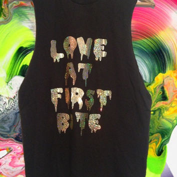 New UNISEX Gold HOLOGRAPHIC Grunge Dripping 'Love at first bite' sleeveless grunge muscle top shirt S-XL