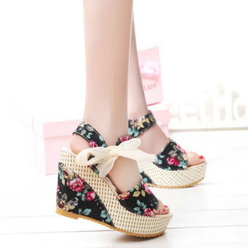 Flatform shoes women summer style 2015 fashion wedges platform sandals Rubber Floral casual female high-heeled shoes.B0118