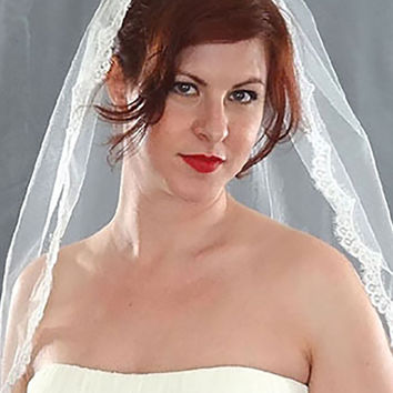 Narrow Alencon Lace Wedding Veil