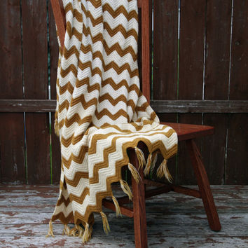 Vintage Chevron Throw Blanket, Camping Blanket Granny Knit - Crochet - White and Yellow (Mustard)
