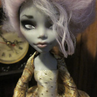 Monster High Custom Repaint - Ghoulia