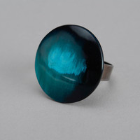 Turquoise ring made of cow horn