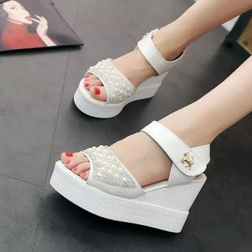 LMFCT9 Design Summer Shoes Stylish Wedge Waterproof Thick Crust Pearls With Heel Sandals [9432944714]