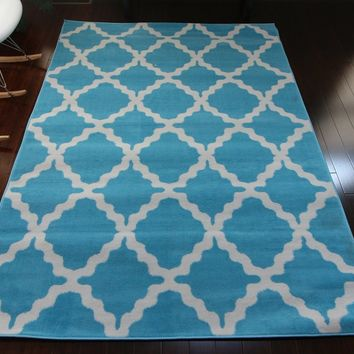 0418 Light Blue Trellis Area Rugs