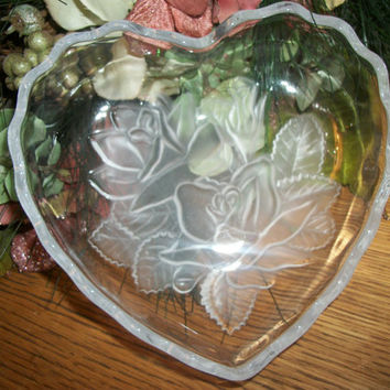 Vintage Serving Bowl Mikasa Collectible Glass Tableware Heart Shaped Pressed Glass Frosted Embossed Flowers Roses Vanity Table Trinket Dish