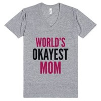 World's Okayest Mom V-neck T-shirt Pink Black (idb901703)-T-Shirt