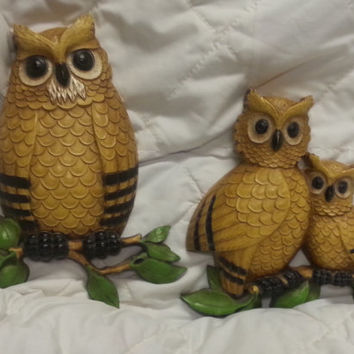 Vintage 1970s Set of 2 Homco Wall Hanging Owl Plaques - Family Owl Set -