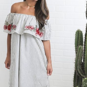summer getaway embroidered dress