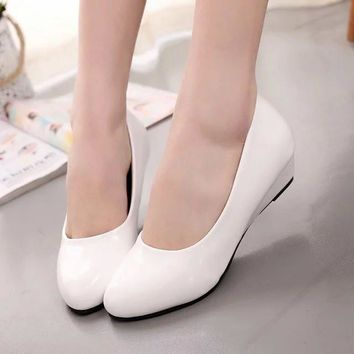 Plus size Spring Autumn Women Wedding Shoes Medium Pumps Patent Leather Wedges Pump Office Lady Boat Shoes Zapatos mujer Y2070