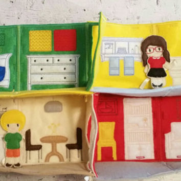 Felt dollhouse, playhouse, dress up doll, toy, game, felt doll, unpaper doll, doll house, play house