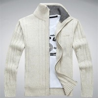 Men Winter Wool Blend Cardigan / Fashionable Sweater For Men