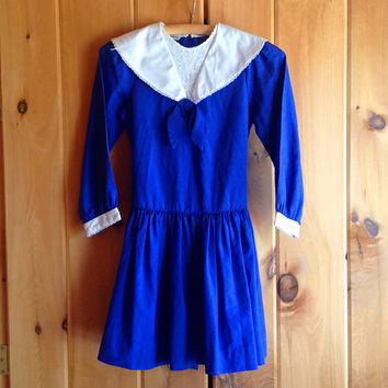 Vintage dress | Royal blue mini dress with white lace collar