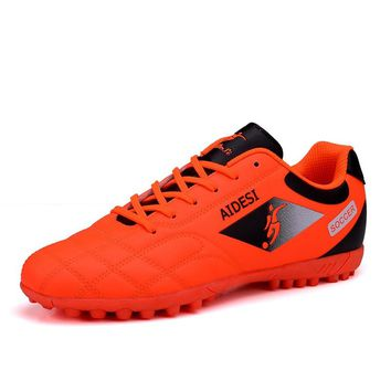 ZHENZU 2018 Football Soccer Shoes for Men Children Soccer Cleats Turf Shoes Leather Soccer Trainer Boys Soccer Sneaker Turf Boot
