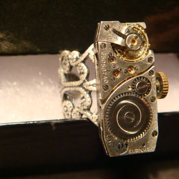 Steampunk  Vintage Elgin Watch Movement Ring with Exposed Gears (934)