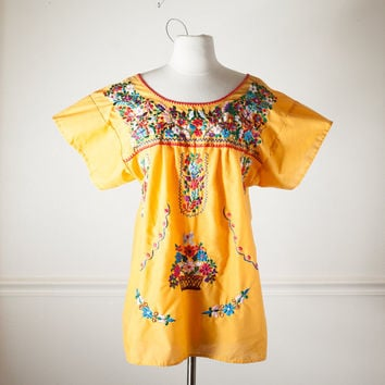 Vintage YELLOW Mexican Embroidered Top | 70s Blouse Boho Chic Festival Top Ethnic Mexican Blouse Hippie Top Floral Top Mexican Top Tunic Mod