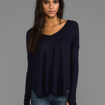 Feel the Piece Robin Thermal with Thumb Holes in Navy