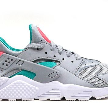 "Nike Air Huarache ""Wolf Grey/Sunset Pulse"""