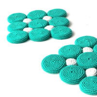 pan coaster- turquoise kitchen- handmade table deco- with recycled bottle caps in- white/turquoise green crochet