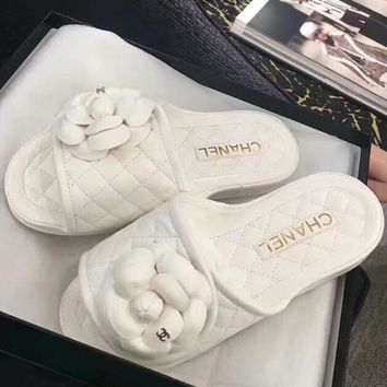 CHANEL high quality rhombic flat bottom casual Velcro Camellia double C slippers F-RCSTXC white