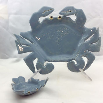 Pottery plate, blue crab serving dish, party dishes, sushi plate, appetizer plate, dish washer safe, microwave safe