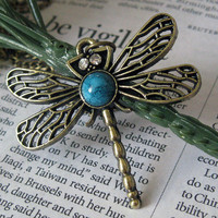 Pretty dragonfly necklace pendant jewelry vintage by BeautyandLuck