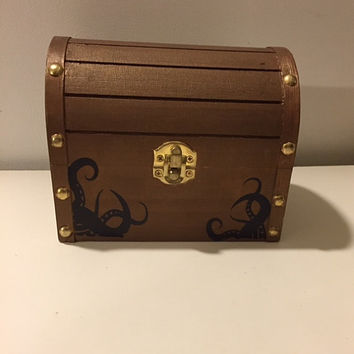 Pirate Treasure Chest, Pirate Trinket Box, Memory Box, Treasure Chest Piggy Bank, Pirate Room Decor, Party Table Decor, Pirate Party Favor