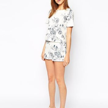 Warehouse | Warehouse Drawn Floral Print Co-Ord Short at ASOS
