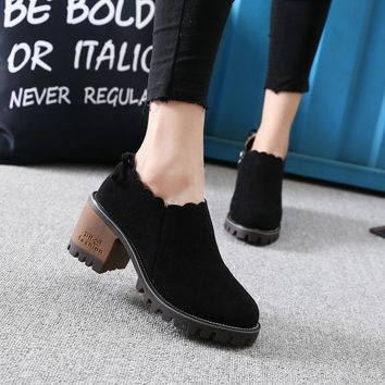 Round Toe Low Cut Zipper Middle Block Heel Ankle Boots