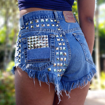 High waisted studded denim shorts by Jeansonly