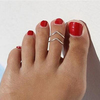 "Women Lady Simple Retro ""V"" Open Toe Ring Adjustable Foot Beach Jewelry"