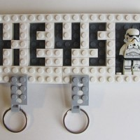 Keychain Organizer with Valet Key Chain Pair and Star Wars Stormtrooper Figure