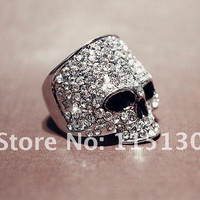 Vintage Europe a silver colored Simulated Diamond Skull Rings For Men Rock Punk Ring Fashion Skull Men Jewelry